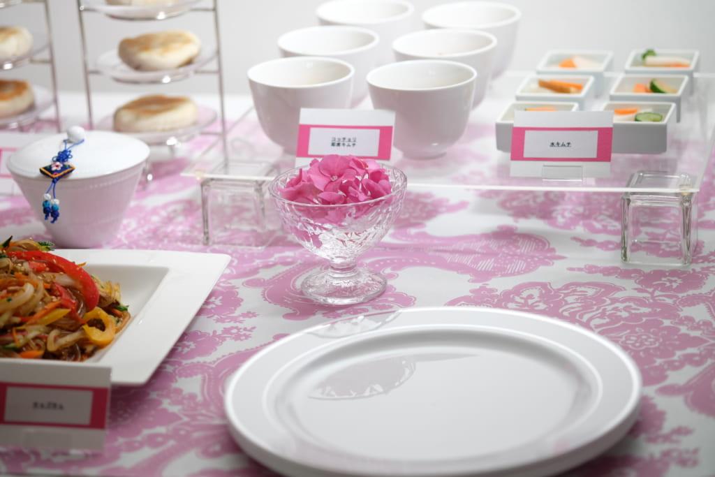ホームパーティー ビュッフェスタイル テーブルコーディネート