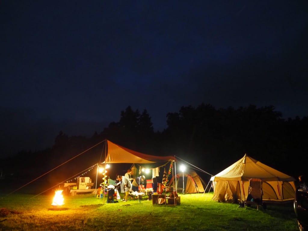 ホームパーティー キャンプ